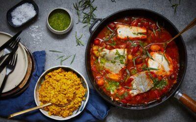 Sejfilé med tomat och krämigt saffransris